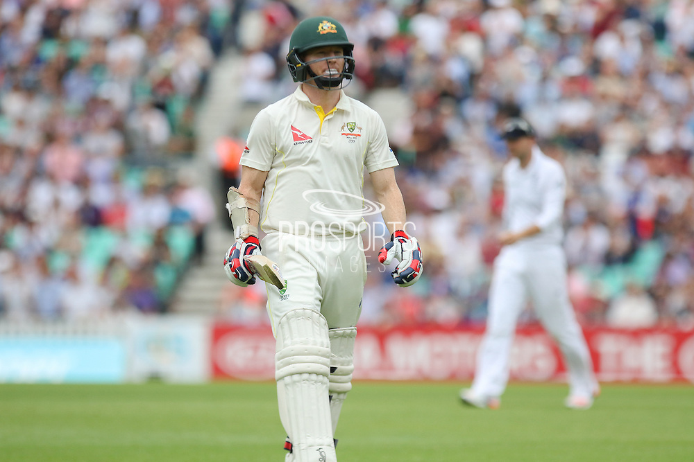 Chris Rogers of Australia walks back to the Pavilion out for 43 during the 1st day of the 5th Investec Ashes Test match between England and Australia at The Oval, London, United Kingdom on 20 August 2015. Photo by Phil Duncan.