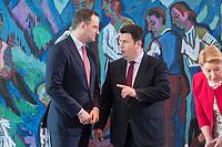 06 JUN 2019, BERLIN/GERMANY:<br /> Jens Spahn (L), CDU, Bundesgesundheitsminister, und Hubertus Heil (R), SPD, Bundesarbeitsminister, im Gespraech, vor Beginn der Kabinetsitzung, Bundeskanzleramt<br /> IMAGE: 20190606-01-016<br /> KEYWORDS: Sitzung, Kabinett, Gespräch