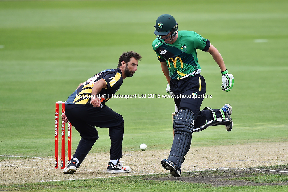 Wellington player Grant Elliot attempt a run out of Josh Clarkson during their McDonalds Super Smash T20 match Central Stags v Wellington Firebirds. Saxton Oval, Nelson, New Zealand. Sunday 18 December 2016. ©Copyright Photo: Chris Symes / www.photosport.nz
