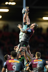 Chris Robshaw of Harlequins competes for the ball at a lineout - Mandatory byline: Patrick Khachfe/JMP - 07966 386802 - 01/12/2019 - RUGBY UNION - The Twickenham Stoop - London, England - Harlequins v Gloucester Rugby - Gallagher Premiership