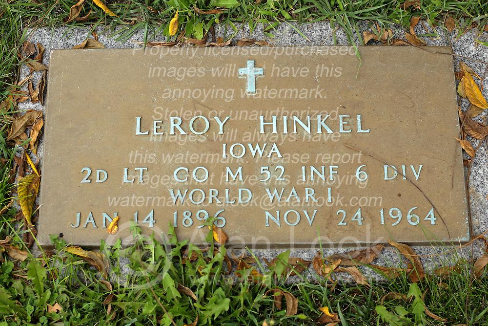 31 August 2017:   Veterans graves in Park Hill Cemetery in eastern McLean County.<br /> <br /> LeRoy Hinkel Iowa 2d Lieutenant Co M 52 INF 6 DIV World War I  Jan 14 1896 Nov 24 1964