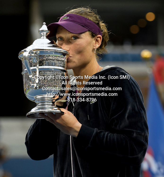 September 11, 2011: Samantha Stosur of Australia (AUS) defeats American Serena Williams (USA) to win the Woman's Singles Championship on Day 14 of the 2011 U.S. Open Tennis Championships at the USTA Billie Jean King National Tennis Center in Flushing, Queens, New York, USA. ***** SWITZERLAND OUT *****