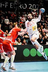 18.01.2020, Wiener Stadthalle, Wien, AUT, EHF Euro 2020, Spanien vs Österreich, Hauptrunde, Gruppe I, im Bild v. l. Nikola Bilyk (AUT), Jorge Maqueda Pena (ESP) // f. l. Nikola Bilyk (AUT) Jorge Maqueda Pena (ESP) during the EHF 2020 European Handball Championship, main round group I match between Spain and Austria at the Wiener Stadthalle in Wien, Austria on 2020/01/18. EXPA Pictures © 2020, PhotoCredit: EXPA/ Florian Schroetter