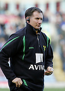 Burnley - Saturday November 1st, 2008: Glenn Roader, manager of Norwich City during the Coca Cola Championship match against Burnley at Turf Moor, Burnley. (Pic by Michael Sedgwick/Focus Images)