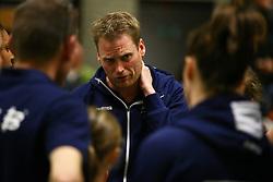 20160409 NED: Volleybal: Sliedrecht Sport - Eurosped TVT, Sliedrecht  <br />Matt van Wezel, is zichtbaar aangeslagen