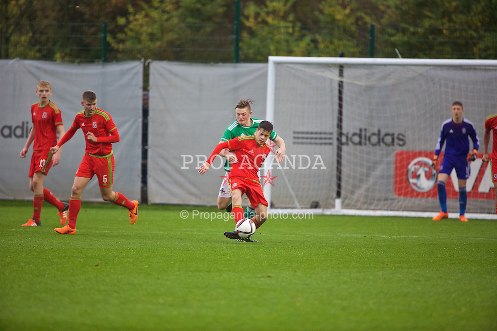 NEWPORT, WALES - Thursday, November 5, 2015: Wales' Sam Bowen in action against Northern Ireland during the Under-16's Victory Shield International match at Dragon Park. (Pic by David Rawcliffe/Propaganda)
