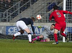 Falkirk's Jay Fulton has his header saved by Raith Rovers David McGurn..Falkirk 1 v 1 Raith Rovers, 5/3/2013.