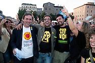 Roma 13 Giugno 2011.Festa a Piazza della Bocca della Verita'   per la vittoria  dei referendum dei  comitati «Vota Sì per fermare il nucleare» e «due Sì per l'acqua bene comune». Angelo Bonelli portavoce dei Verdi festeggia la vittoria