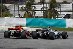 October 1, 2017 - Sepang, Malaysia - Motorsports: FIA Formula One World Championship 2017, Grand Prix of Malaysia, ..#3 Daniel Ricciardo (AUS, Red Bull Racing), #77 Valtteri Bottas (FIN, Mercedes AMG Petronas F1 Team) (Credit Image: © Hoch Zwei via ZUMA Wire)