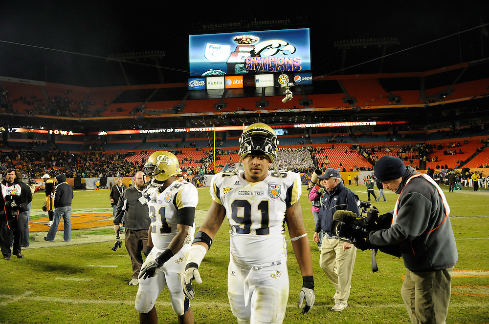 January 5, 2010: Georgia Tech Yellow Jackets and the Iowa Hawkeyes in the FedEx Orange Bowl at LandShark Stadium in Miami Gardens, Florida. The Hawkeyes defeated the Yellow Jackets 24-14.