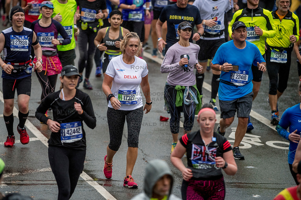 05-11-2017 USA: NYC Marathon We Run 2 Change Diabetes day 3, New York<br /> De dag van de marathon, 42 km en 195 meter door de straten van Staten Island, Brooklyn, Queens, The Bronx en Manhattan / Delia