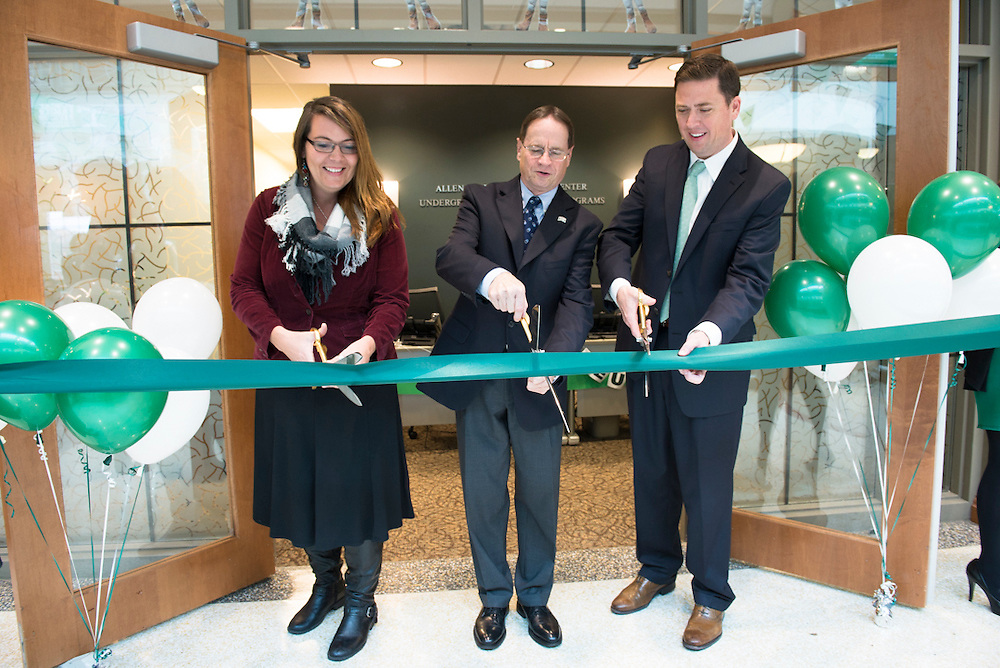 The ribbon is cut at the gran re-opening of the Allen Student Help Center. ©Ohio University / Photo by Olivia Wallace