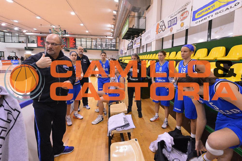 DESCRIZIONE : Chieti Nazionale Italia Femminile CUS Chieti<br /> GIOCATORE : Roberto Ricchini<br /> CATEGORIA : coach<br /> SQUADRA : Italia femminile<br /> EVENTO : amichevole<br /> GARA : Nazionale Italia Femminile CUS Chieti<br /> DATA : 22/01/2013<br /> SPORT : Pallacanestro <br /> AUTORE : Agenzia Ciamillo-Castoria/GiulioCiamillo<br /> Galleria : Lega Basket A 2012-2013 <br /> Fotonotizia :  Chieti Nazionale Italia Femminile CUS Chieti