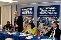 L to r; Professor Gus John; Steve Sinnott; Christine McNee, Unison; Colin Hampton, Derbyshire Unemployed Workers Centre; NUT fringe meeting at the TUC, Brighton 2007...© Martin Jenkinson, tel 0114 258 6808 mobile 07831 189363 email martin@pressphotos.co.uk. Copyright Designs & Patents Act 1988, moral rights asserted credit required. No part of this photo to be stored, reproduced, manipulated or transmitted to third parties by any means without prior written permission