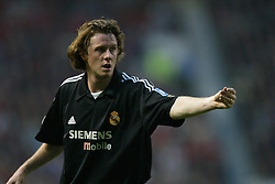 MANCHESTER, ENGLAND - Wednesday, April 23, 2003: Real Madrid's Steve McManaman pictured against Manchester United during the UEFA Champions League Quarter Final 2nd Leg match at Old Trafford. (Pic by David Rawcliffe/Propaganda)