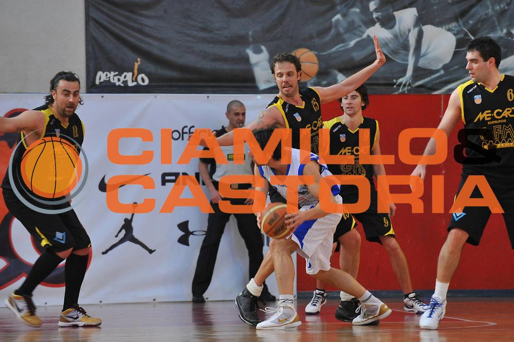 DESCRIZIONE : Foligno LNP Lega Nazionale Pallacanestro Serie A Dilettanti Coppa Italia 2009-10 Sangiorgese Bk S.Giorgio Scuola Basket Cavriago<br /> GIOCATORE :&nbsp;Davide Diacci<br /> SQUADRA : Sangiorgese Bk S.Giorgio Scuola Basket Cavriago<br /> EVENTO : Lega Nazionale Pallacanestro 2009-2010&nbsp;<br /> GARA : Sangiorgese Bk S.Giorgio Scuola Basket Cavriago<br /> DATA : 01/04/2010<br /> CATEGORIA : Difesa<br /> SPORT : Pallacanestro&nbsp;<br /> AUTORE : Agenzia Ciamillo-Castoria/M.Gregolin<br /> Galleria : Lega Nazionale Pallacanestro 2009-2010&nbsp;<br /> Fotonotizia : Foligno LNP Lega Nazionale Pallacanestro Serie A Dilettanti Coppa Italia 2009-10 Sangiorgese Bk S.Giorgio Scuola Basket Cavriago<br /> Predefinita :