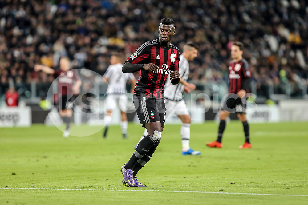 Mbaye Niang of AC Milan during the Serie A TIM match between Juventus and AC Milan at the Juventus Stadium, Turin, Italy on 21 November 2015. Photo by sync studio.