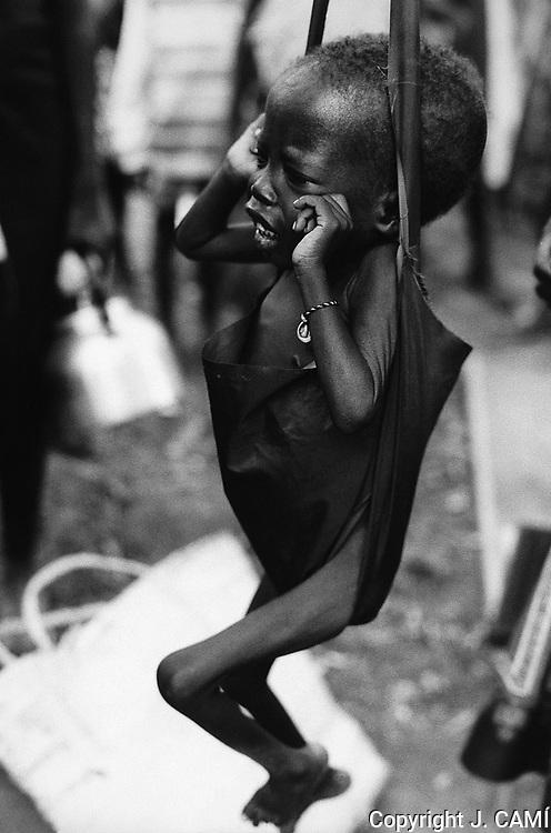OGUJEBE, CAMP DE REFUGIATS DEL SUDÁN. NORD D'UGANDA.1989