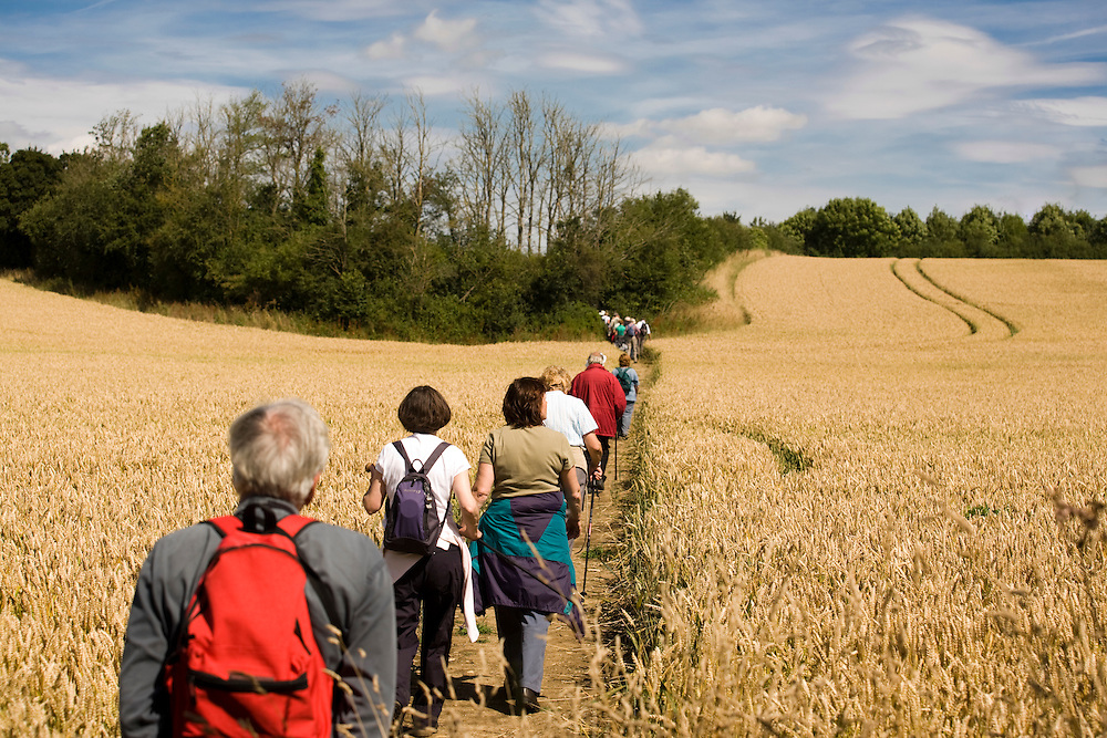 AONB Cotswold Wardens Walk at Eastleach Turville