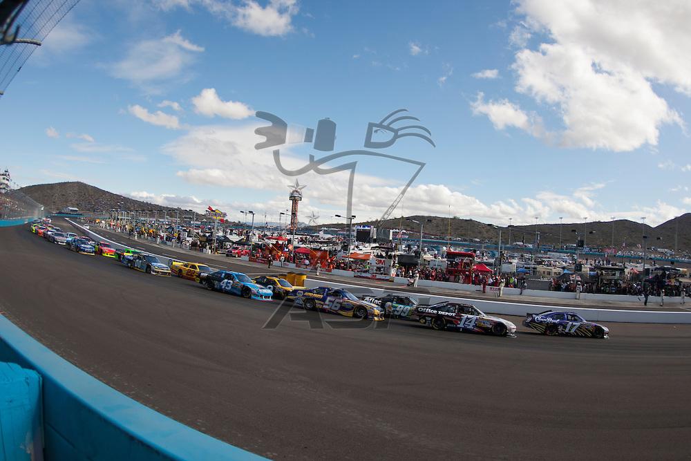 Avondale, AZ - NOV 13, 2011:  Matt Kenseth (17) races for the Kobalt Tools 500 race at the Phoenix International Raceway in Avondale, AZ.