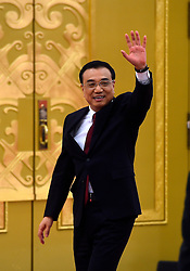 Chinese Premier Li Keqiang waves to journalists after a press conference at the Great Hall of the People in Beijing, capital of China, March 16, 2016. EXPA Pictures © 2016, PhotoCredit: EXPA/ Photoshot/ Jin Liangkuai<br /> <br /> *****ATTENTION - for AUT, SLO, CRO, SRB, BIH, MAZ, SUI only*****