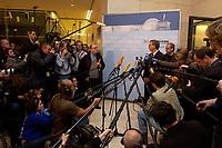11 NOV 2003, BERLIN/GERMANY:<br /> Wolfgang Bosbach, MdB, CDU, Stellv. CDU/CSU  fraktionsvorsitzender, gibt ein kurzes Pressestatement, zum Fall Hohmann, waehrend der Sitzung der CDU/CSU Bundestagsfraktion, Deustcher Bundestag<br /> IMAGE: 20031111-02-008<br /> KEYWORDS: Journalist, Journalisten, Mikrofon, microphone, Kamera, Camera