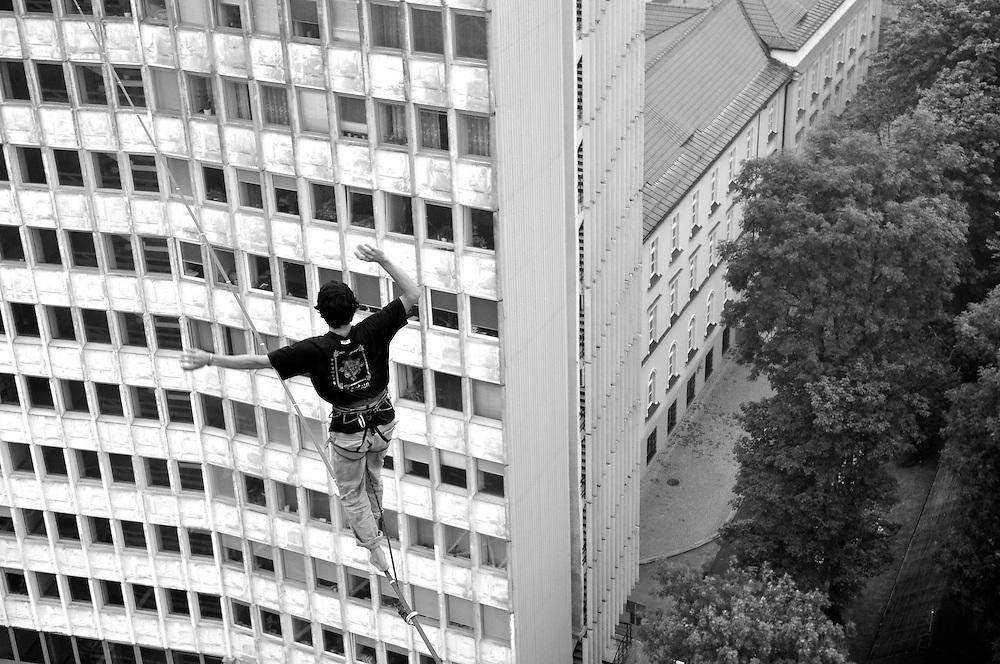 Poland: Lublin Urban Highline Festival | 07.2011..Mandatory Credit: PedroPimentel.net