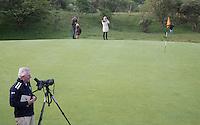 ZANDVOORT - Birdwatching - Vogelteldag   op de Kennemer Golf & Country Club. Drs. J.J. (Jan) IJff . Een natuurvriendelijk en milieubewust beheerd golfterrein biedt voor de golfer een interessante en uitdagende omgeving en bevordert de beeldvorming van de golfsport als een 'groene' sport.  Het beleid kent drie programma's: Committed to Green, Golfers love Birdies en Green Deal. COPYRIGHT KOEN SUYK