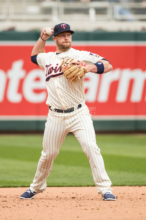 MINNEAPOLIS, MN- APRIL 5: Chris Gimenez #38 of the Minnesota Twins throws against the Kansas City Royals on April 5, 2017 at Target Field in Minneapolis, Minnesota. The Twins defeated the Royals 9-1. (Photo by Brace Hemmelgarn) *** Local Caption *** Chris Gimenez