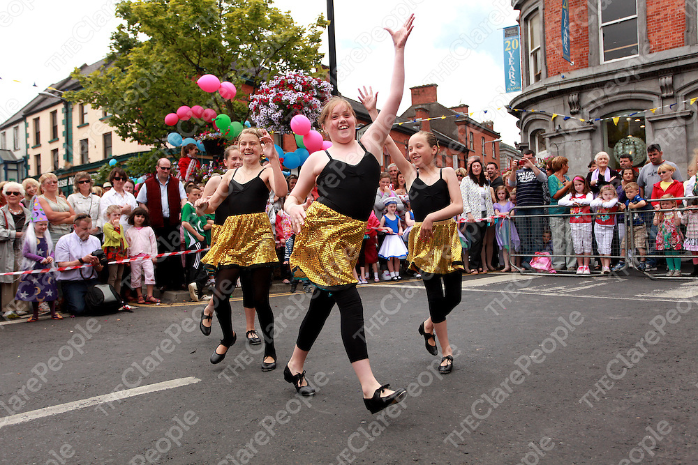 Deirbhile Murphy, Hannah Dinan, Eala Mardell and Alannah Sweeney from the Dinan School of Ballet performing during the Ennis Street Festival on Sunday.<br /> Photograph by Yvonne Vaughan