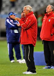 Football - soccer: FIFA World Cup South Africa 2010, Italy (ITA) - Paraguay (PRY), L' ALLENATORE MARCELLO LIPPI SI ASCIUGA GLI OCCHIALI