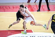 DESCRIZIONE : Varese FIBA Eurocup 2015-16 Openjobmetis Varese Telenet Ostevia Ostende<br /> GIOCATORE : Roko Ukic<br /> CATEGORIA : Palleggio Penetrazione<br /> SQUADRA : Openjobmetis Varese<br /> EVENTO : FIBA Eurocup 2015-16<br /> GARA : Openjobmetis Varese - Telenet Ostevia Ostende<br /> DATA : 28/10/2015<br /> SPORT : Pallacanestro<br /> AUTORE : Agenzia Ciamillo-Castoria/M.Ozbot<br /> Galleria : FIBA Eurocup 2015-16 <br /> Fotonotizia: Varese FIBA Eurocup 2015-16 Openjobmetis Varese - Telenet Ostevia Ostende
