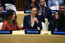 October 21, 2016 - New York, New York, USA - Patty Jenkins, Gal Gadot und Lynda Carter bei der Zeremonie der Vereinten Nationen, um den Charakter Wonder Woman zur Ehrenbotschafterin für die Rechte von Frauen und Mädchen zu ernennen. Die Zeremonie findet am 75. Jahrestag der Comic-Figur in Hauptquartier der Vereinten Nationen statt. New York, 21.10.2016 (Credit Image: © Future-Image via ZUMA Press)