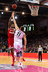 28.03.2016, Telekom Dome, Bonn, GER, Beko Basketball BL, Telekom Baskets Bonn vs FC Bayern Muenchen, 23. Runde, im Bild Deon Thompson (FC Bayen Muenchen #9) beim Korbleger gegen Tadas Klimavicius (Telekom Baskets Bonn #11) // during the Beko Basketball Bundes league 23th round match between Telekom Baskets Bonn and FC Bayern Munich at the Telekom Dome in Bonn, Germany on 2016/03/28. EXPA Pictures © 2016, PhotoCredit: EXPA/ Eibner-Pressefoto/ Schüler<br /> <br /> *****ATTENTION - OUT of GER*****