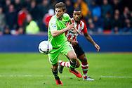 20-03-2016 VOETBAL:PSV-AJAX:EINDHOVEN<br /> Joël Veltman van Ajax wordt opgejaagd door Luciano Narsingh van PSV <br /> <br /> Foto: Geert van Erven