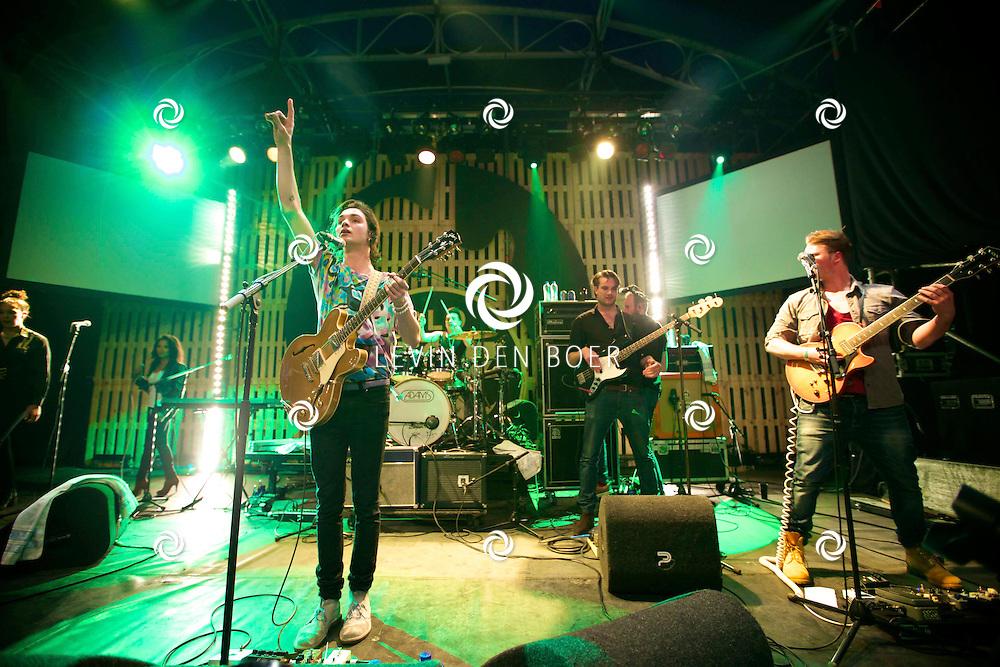 SCHIJNDEL - Het festival seizoen is geopend door Paaspop.  Met hier op de foto een optreden van Jett Rebel. FOTO LEVIN DEN BOER - PERSFOTO.NU