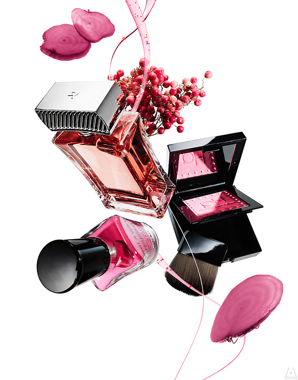 Advertising photograph focused on cosmetics and fragrances by Timothy Hogan in Los Angeles, New York and London