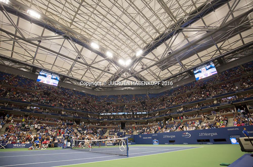 US Open 2016 Feature,Arthur Ashe Stadium mit geschlossenem Dach<br /> <br /> Tennis - US Open 2016 - Grand Slam ITF / ATP / WTA -  USTA Billie Jean King National Tennis Center - New York - New York - USA  - 1 September 2016.