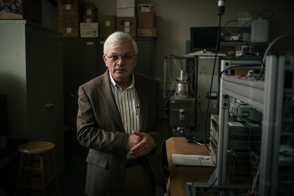 AUBURN, AL – NOVEMBER 20, 2016: Tony Overfelt reviews an experiment in Auburn University's department of Mechanical Engineering.<br /> <br /> In much of the United States, global trade and technological innovation has failed to produce the prosperity hoped for by political and business leaders. Yet despite formidable economic challenges, some localities are flourishing. In Lee County, Ala., unemployment is below the national average despite the loss of thousands of manufacturing jobs, and the key to the county's resilience may be Auburn University, which provided a steady source of employment during recessions and helped draw new businesses to replace those that fled. CREDIT: Bob Miller for The Wall Street Journal<br /> [RESILIENT]