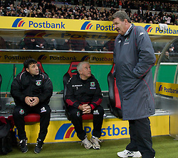 FRANKFURT, GERMANY - Wednesday, November 21, 2007: Wales' manager John Toshack with assistant coach Roy Evans and assistant coach Dean Saunders before the final UEFA Euro 2008 Qualifying Group D match against Germany at the Commerzbank Arena. (Pic by David Rawcliffe/Propaganda)