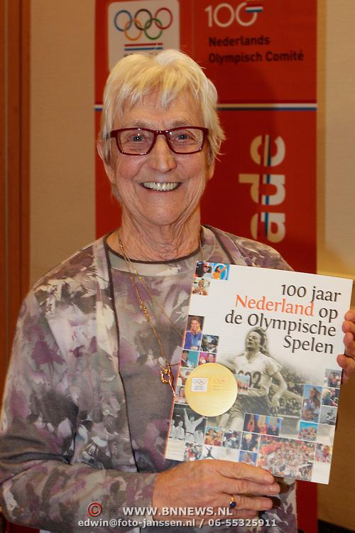 NLD/Arnhem/20121103 - 100 Jarig bestaan NOC/NSF Sportparade, Lenie Lens-Gerrietsen