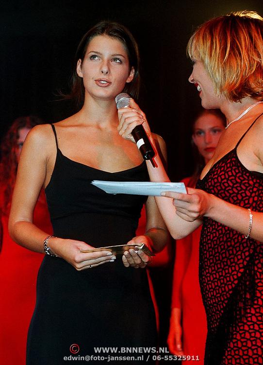 Elite Model Look of the Year 1999, Wendy Dubbeld met Carina Holties