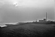 Nederland, Dodewaard, 20-4-1987De kerncentrale in Dodewaard. Hij had een vermogen van 58 megawatt en was sinds 1969 een project om kennis en ervaring op te doen. Hij werd gesloten worden in 1997 en is grotendeels ontmanteld. Foto: Flip Franssen/Hollandse Hoogte
