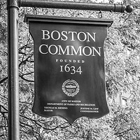 Boston Common sign black and white photo. Boston Common is a city park founded in 1634 and is a historic landmark in Boston, Massachusetts in the Eastern United States of America.