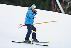 31.01.2020, Kandahar, Garmisch, GER, FIS Weltcup Ski Alpin, Abfahrt, Herren, 2. Training, im Bild Hannes Trinkl (FIS Renndirektor Weltcup Ski Alpin Herren) // Hannes Trinkl Race Director World Cup Men Speed Events of FIS in action during his 2nd trainings run of men's Downhill of FIS ski alpine world cup at the Kandahar in Garmisch, Germany on 2020/01/31. EXPA Pictures © 2020, PhotoCredit: EXPA/ Johann Groder
