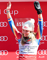19.03.2017, Aspen, USA, FIS Weltcup Ski Alpin, Finale 2017, Gesamtweltcup, Damen, Siegerehrung, im Bild Mikaela Shiffrin (USA, Gewinnerin des Slalom und des Gesamt Weltcup), // Winner of the Slalom and the Overall World Cup Mikaela Shiffrin of the USA during the winner award ceremony for the ladie's overall winner of 2017 FIS ski alpine world cup finals. Aspen, United Staates on 2017/03/19. EXPA Pictures © 2017, PhotoCredit: EXPA/ Erich Spiess