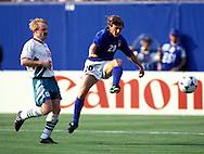 FIFA World Cup - USA 1994.Giuseppe Signori (Italy) v Ilian Kiriakov (Bulgaria).©Juha Tamminen