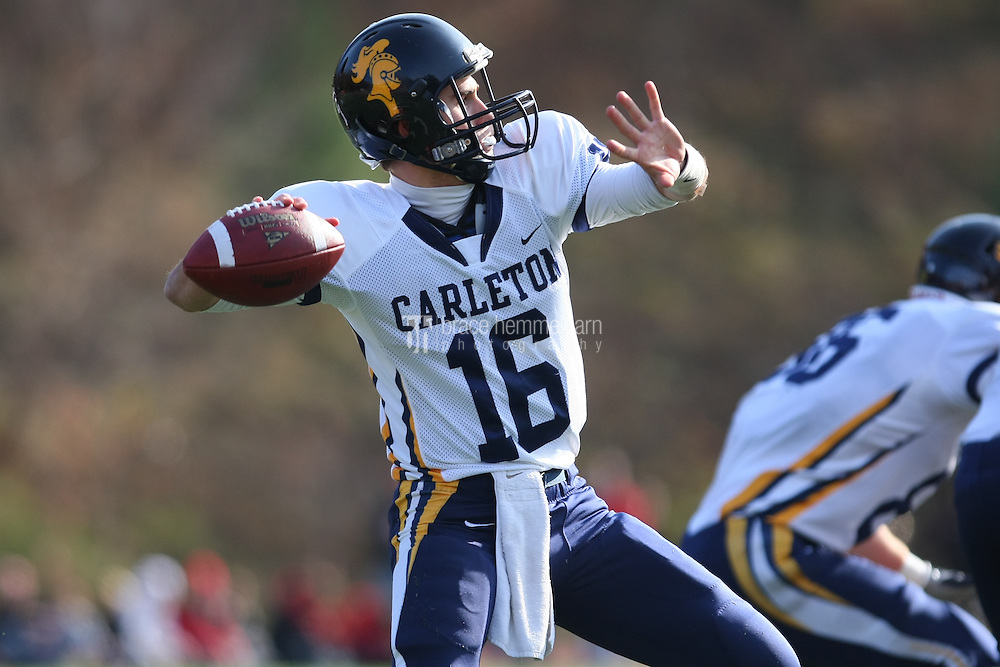 Carleton quarterback. Credit: Brace Hemmelgarn-Saint John's University