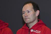 Skøyter<br /> Pressekonferanse ang. ettertakeren som landslagssjef etter Mueller<br /> 25.11.2009<br /> Clearion airport hotell , Flesland , Bergen,<br /> den ny ansatte landslagssjefen , Jarle Pedersen<br /> Foto : Astrid M. Nordhaug