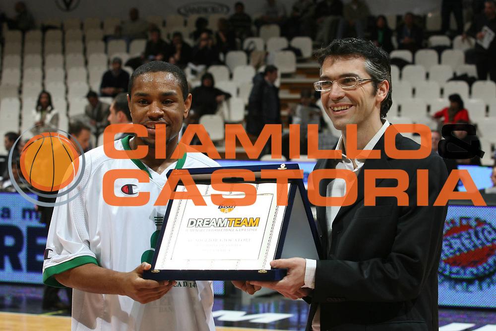 DESCRIZIONE : Bologna Coppa Italia 2006-07 Quarti di Finale Montepaschi Siena Eldo Napoli<br /> GIOCATORE : Mc Intyre Bevacqua<br /> SQUADRA : Montepaschi Siena Dreamteam<br /> EVENTO : Campionato Lega A1 2006-2007 Tim Cup Final Eight Coppa Italia Quarti di Finale<br /> GARA : Montepaschi Siena Eldo Napoli<br /> DATA : 09/02/2007<br /> CATEGORIA : Premiazione<br /> SPORT : Pallacanestro <br /> AUTORE : Agenzia Ciamillo-Castoria/S.Ceretti<br /> Galleria : Lega Basket A1 2006-2007<br /> Fotonotizia : Bologna Coppa Italia 2006-2007 Quarti di Finale Montepaschi Siena Eldo Napoli<br /> Predefinita :